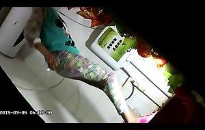 quay lé_n toilet-lé_n nhà_ v? sinh part 02 xem running handy : http://raolink.com/aDqU