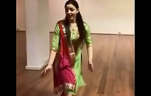Sirino Erkilic mast dance on punjapi song Tenu Convenience Suit karda  Sirino Er Stunning Dance