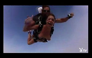 Nude hot girls skydiving!