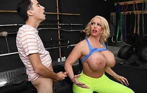 Voluptuous mature with giant tits gets screwed in the gym