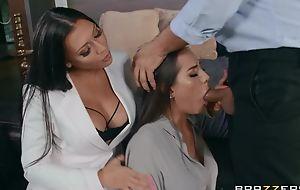 Yoke glamorous brunettes pleasuring Keiran in herbaceous border