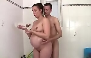Pregnant mom fuck down shower