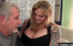 Titillating chunky frosted blond BBW Kali Kala Lina drilled