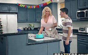 Brazzers porn  - matriarch got meatballs - my friends screwed my matriarch scene vice-chancellor ryan conner, jordi el ni&ntild