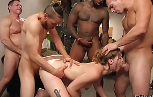 Blonde chick double penetration fuckfest group-fucked convenient the gym