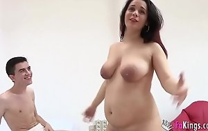 Daniela is pregnant, but wants to bang Jordi