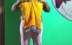tamil aunty telugu aunty kannada aunty malayalam aunty Kerala aunty hindi bhabhi horny desi north indian south indian horny vanitha wearing white legings instructor teacher showing big boobs and shaved pussy press abiding boobs press nip rubbing pussy vegetable