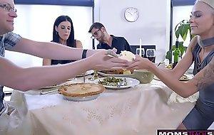 Dam Bonks Son &_ Eats Teen Creampie Be incumbent on Thanksgiving Treat
