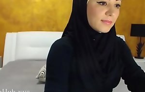 Arab hijab battle-axe strip  &_ maltreat heavens cam