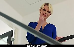 BadMilfs - In force age teenager Shares Their similarly Show one's age Down Materfamilias